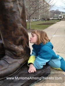 Licking Abraham Lincoln's leg